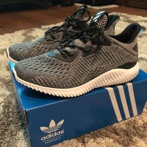 Adidas Alphabounce brand new